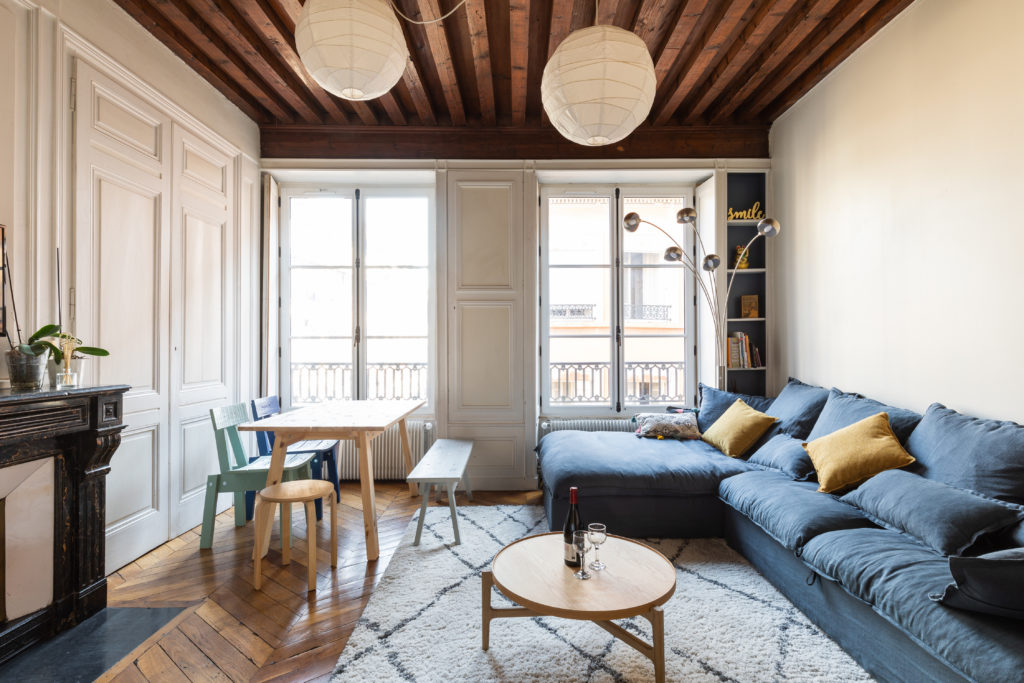 Image illustrant :  Les avantages et inconvénients de la location Airbnb et Location classique